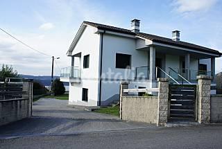 Casa en alquiler a 1500 m de la playa Lugo