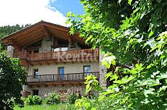 Apartment for 4 people with views to the mountain Aosta