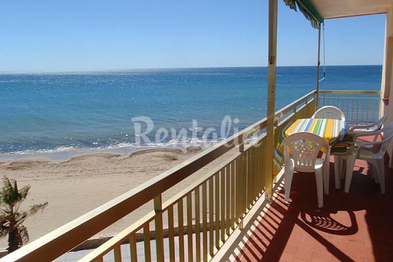 Ref. 23: 1ªLínea playa-Apartamento 3 Dormitorios Tarragona
