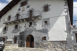 Casa in affitto a 4 km dalla spiaggia Navarra