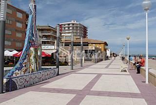 Apartamento vistas al mar. Piscina. Playa a 50 m Valencia