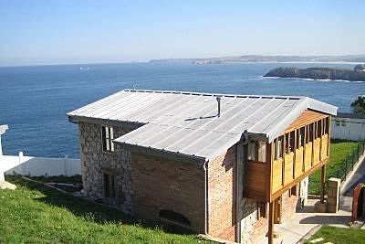 Solo para amantes del mar...acceso directo a playa Asturias
