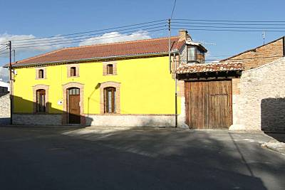 Casa para 1-8 personas con patio y porche. Segovia