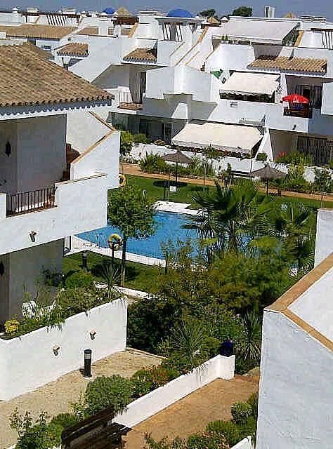 Apartamento de 2 habitaciones a 1000 m de la playa - Rentalia islantilla ...