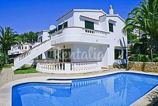 Villa dividida en 2 apartamentos a 800 m de la playa Menorca
