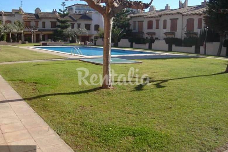 Huis met 3 slaapkamers op 500 meter van het strand barri maritim de sant salvador el vendrell - Zwembad huis ...