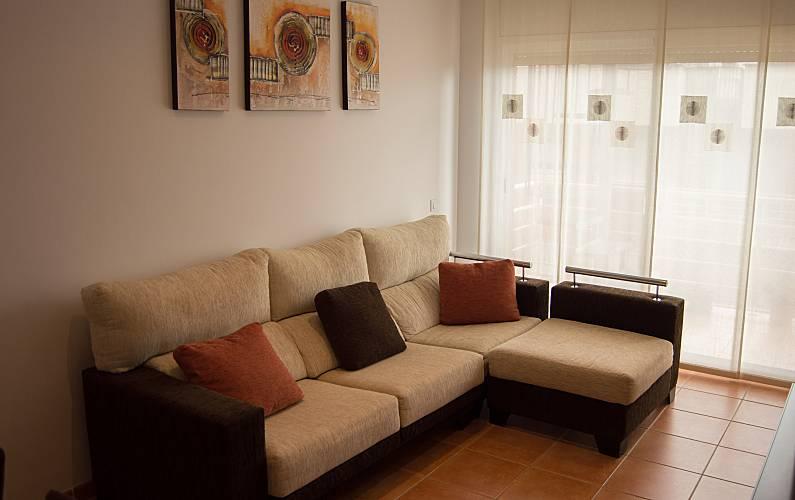 Apartamento para alugar a 1000 m da praia vilafortuny for Sala 0 tarragona