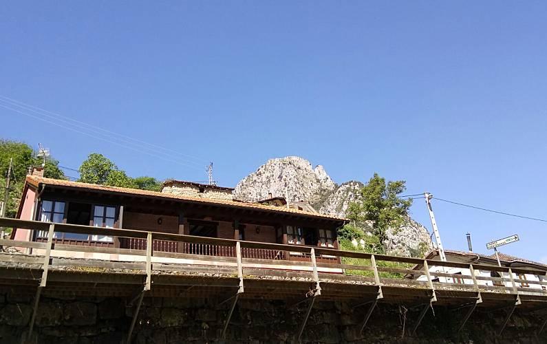 Casa para 14-17 personas en La Hermida Cantabria