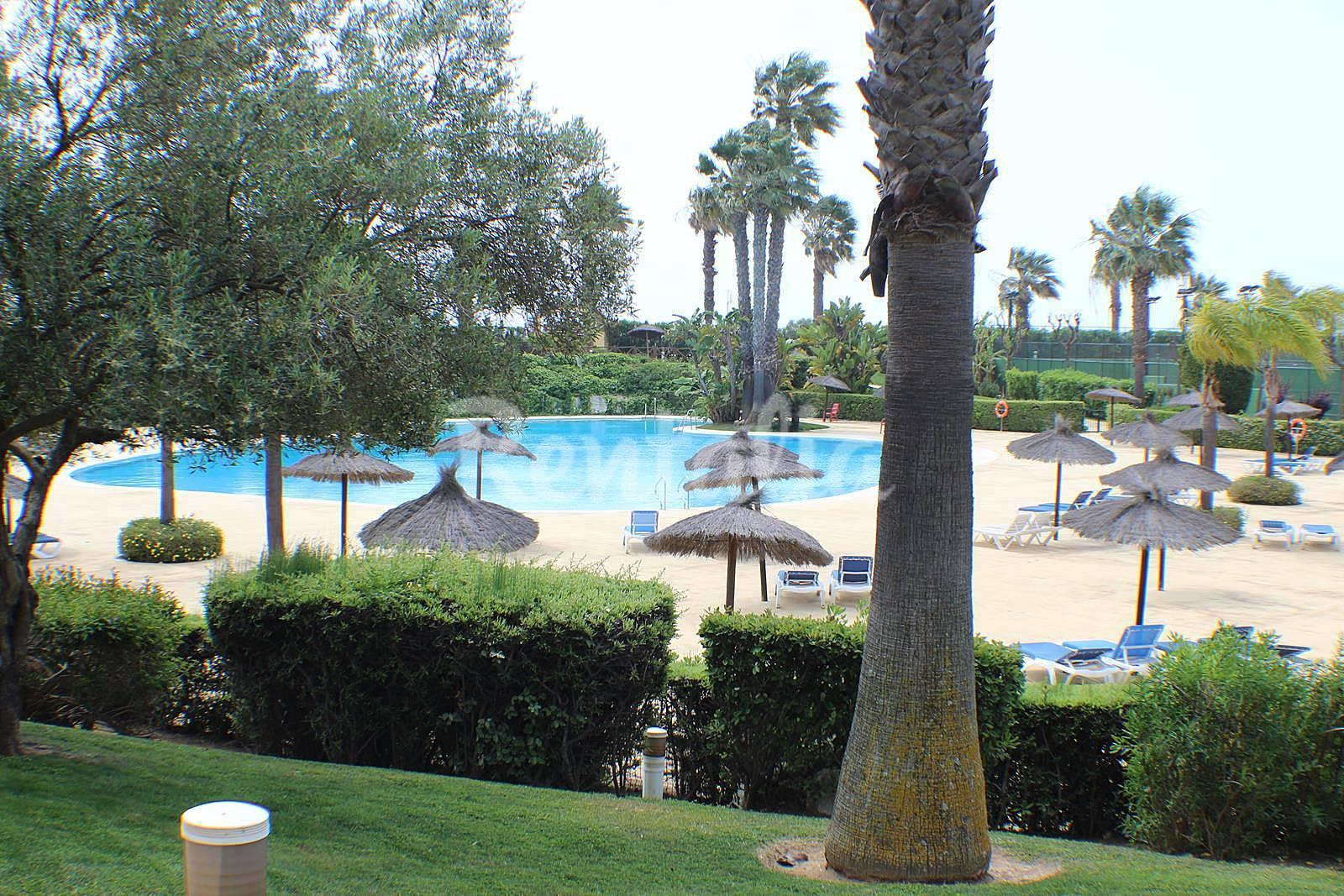 Apartamento en alquiler a 25 m de la playa islantilla - Rentalia islantilla ...