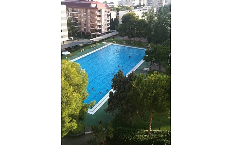 Apartamento para 4 personas a 150 m de la playa for Piscina benicassim