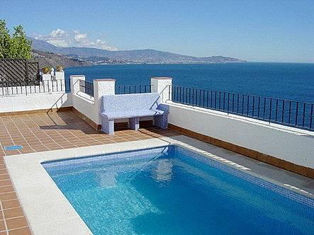 Chalet con piscina fant sticas vistas al mar almu car for Piscina publica alhendin granada