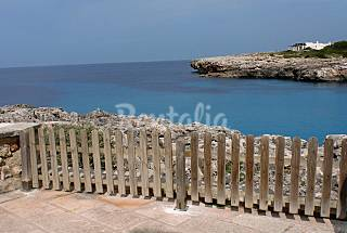 House with 3 bedrooms only 80 meters from the beach Minorca