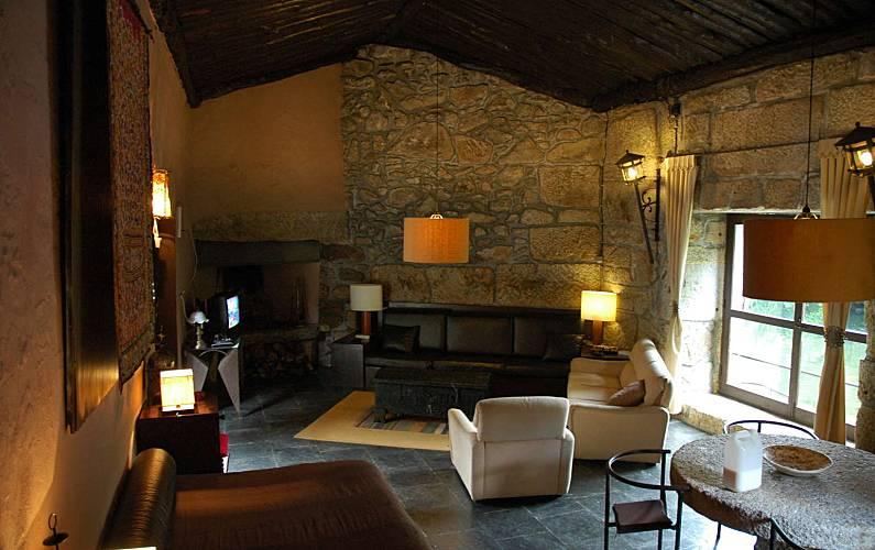 4 Living-room Viana do Castelo Vila Nova de Cerveira Cottage - Living-room