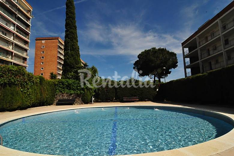 Apartamento para 5 personas en catalu a urbanitzacio la for Piscina de torello