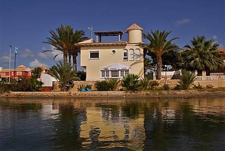 Alquiler Apartamentos Vacacionales En Cala Flores