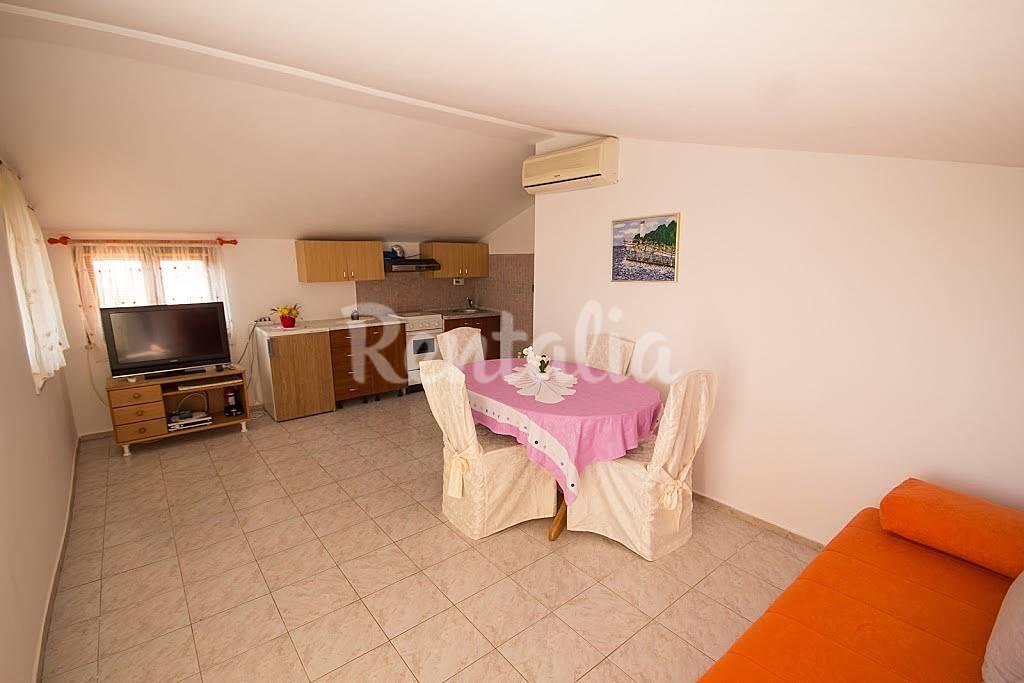Apartamento en alquiler en istria murine umag istria - Apartamentos en benasque alquiler ...