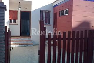 Casa de golf y playa con piscinas. Huelva