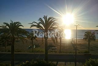 Tríplex en primera línea de playa. Almería