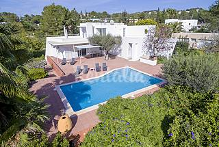 Villa for 8 people 3.3 km from the beach Ibiza
