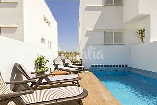 House with 4 bedrooms only 900 meters from the beach Almería