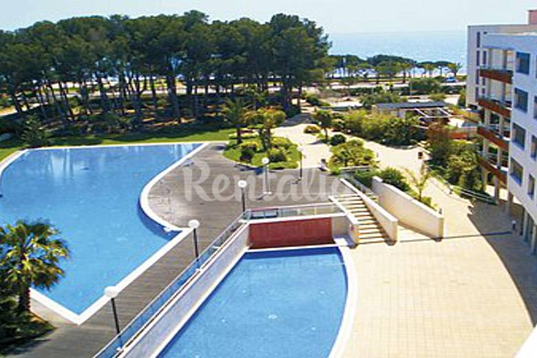 Casa adosada gimnasio p del jacuzzi 4 piscinas for Piscina cambrils