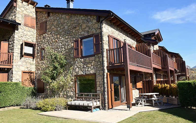 House Outdoors Pyrenees-Orientales Estavar Cottage - Outdoors