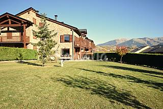 CASA CON ENCANTO EN LA CERDANYA, JARDÍN Y PISCINA. Pirineos Orientales