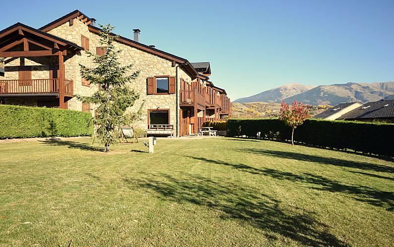 House for rent in Estavar Pyrenees-Orientales - Garden