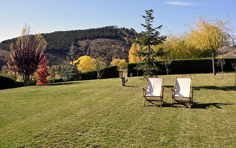 House Garden Pyrenees-Orientales Estavar Cottage - Garden