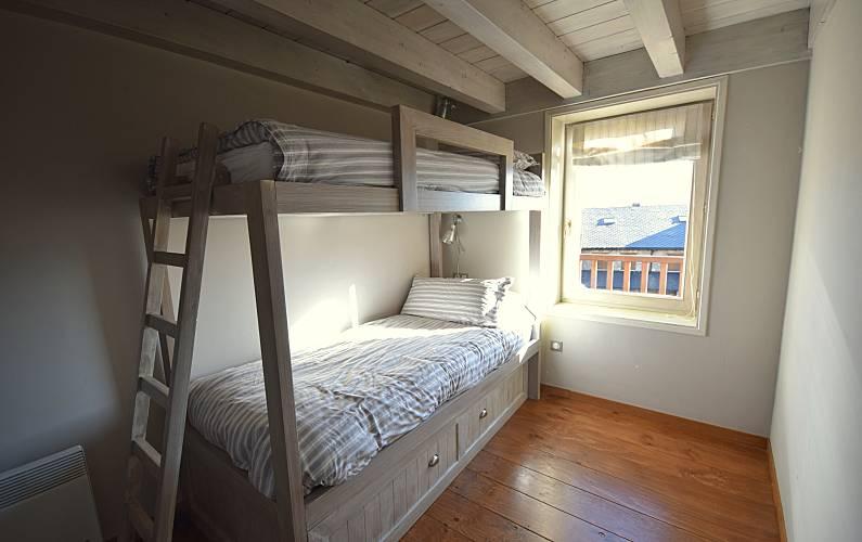 House Bedroom Pyrenees-Orientales Estavar Cottage - Bedroom