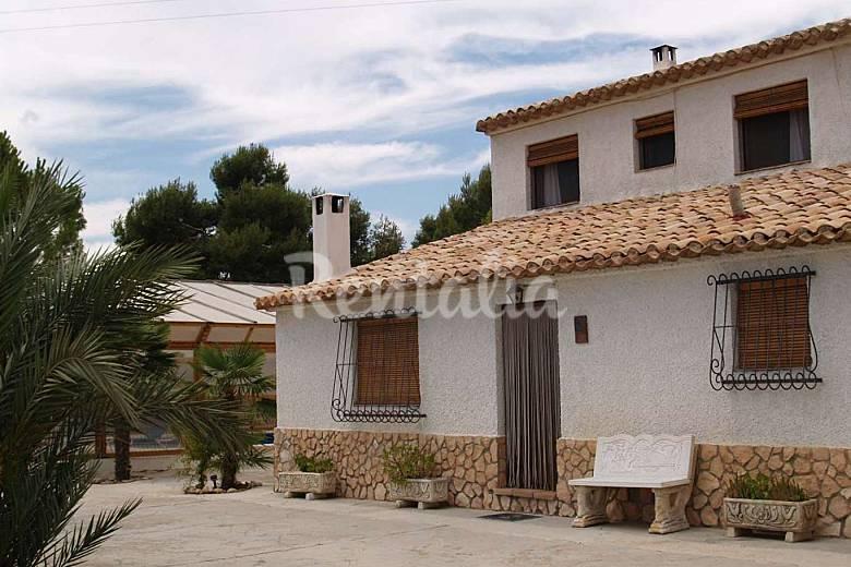 Huerta pintada due case antiche ristrutturate pliego for Case antiche ristrutturate