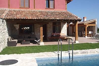 Casa de 4 habitaciones con piscina Segovia