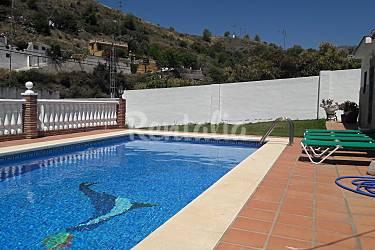 Villa rayao nerja m laga costa del sol for Piscina publica malaga