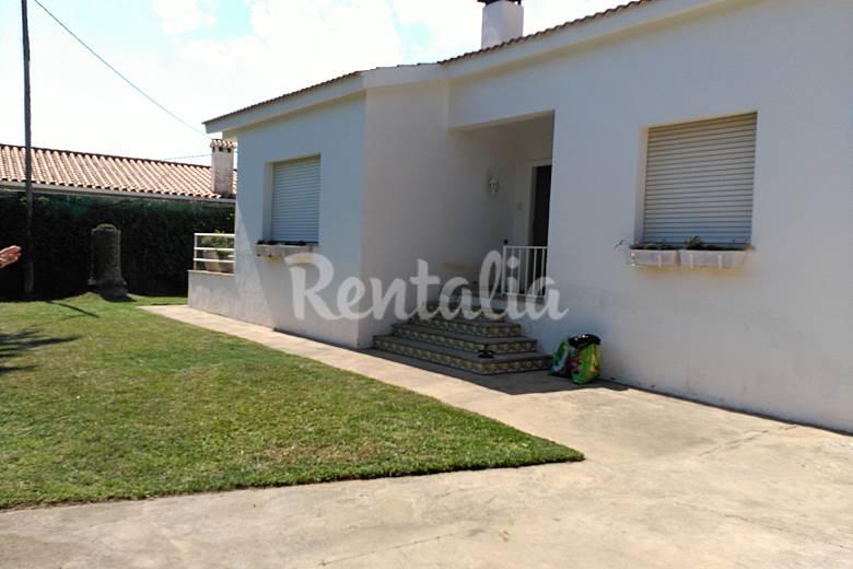 Villa en alquiler a 150 m de la playa vinar s castell n for Registro bienes muebles castellon