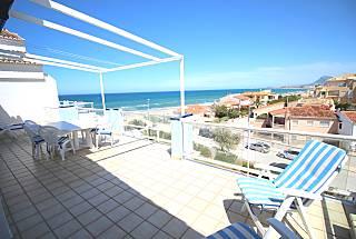 Apartamento de 4 habitaciones en 1a línea de playa Alicante