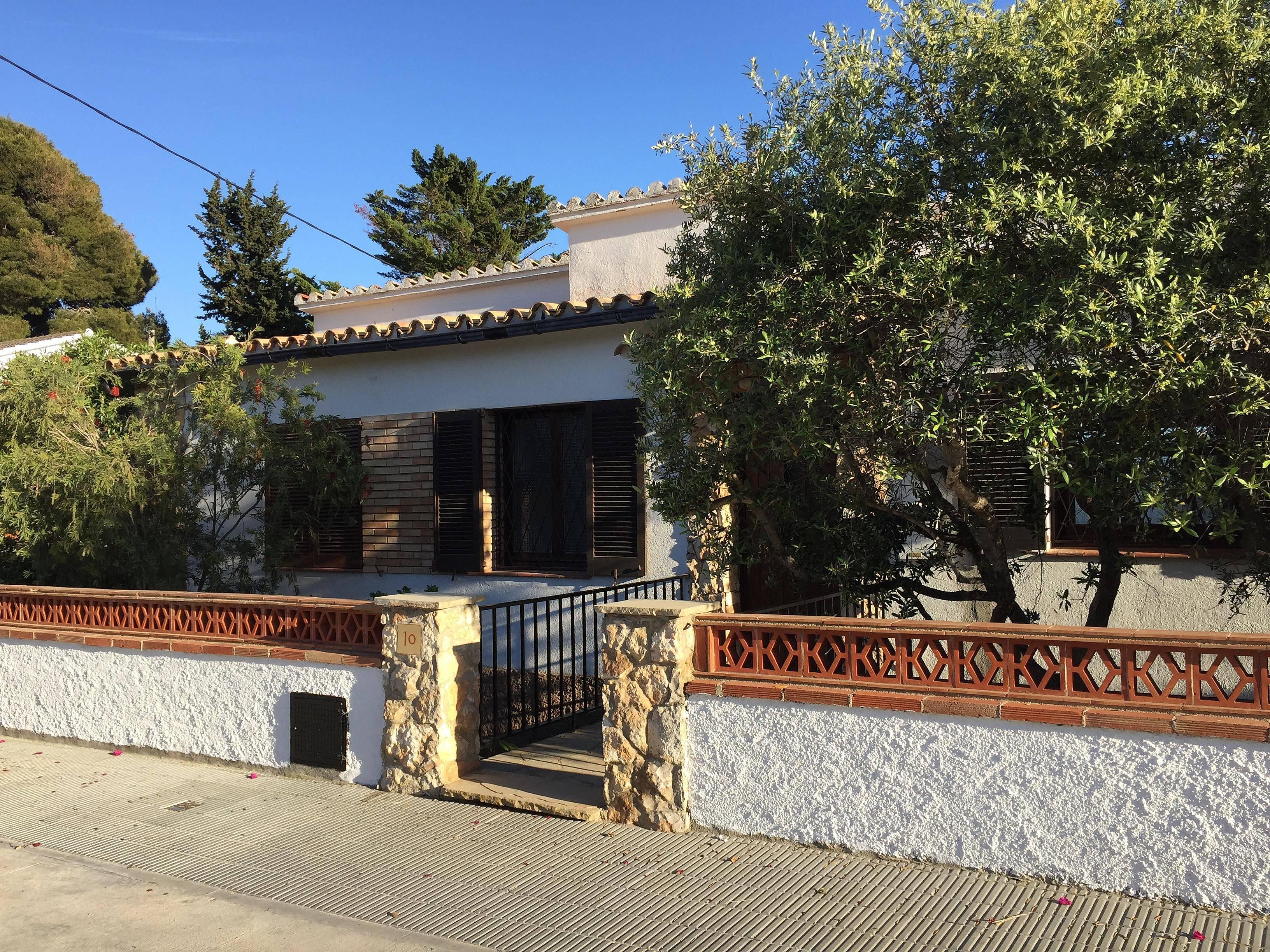 Villa en alquiler a 300 m de la playa torredembarra - Alquiler de pisos en torredembarra ...