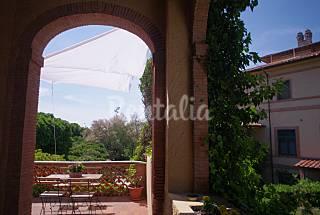Splendida depandance in villa storica fronte mare Lucca