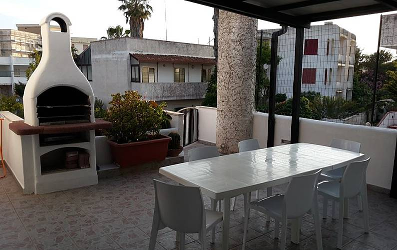 Villa for 11-15 people only 50 meters from the beach Lecce - Terrace