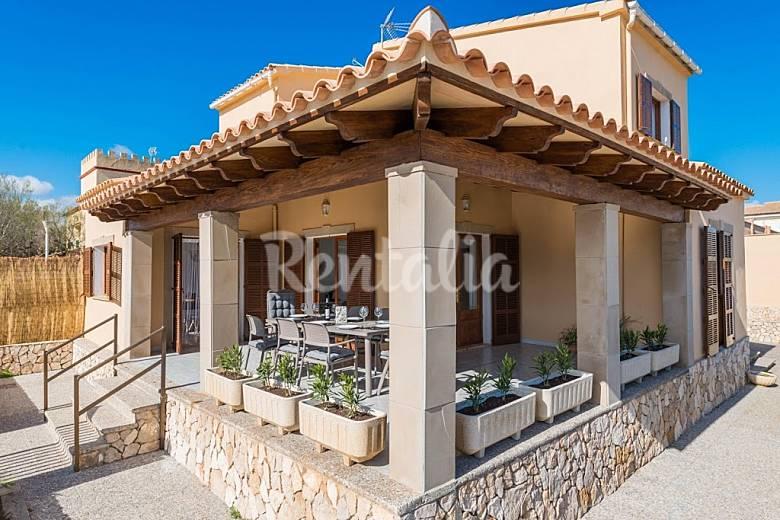 villa en location majorque son serra de marina santa margalida majorque. Black Bedroom Furniture Sets. Home Design Ideas