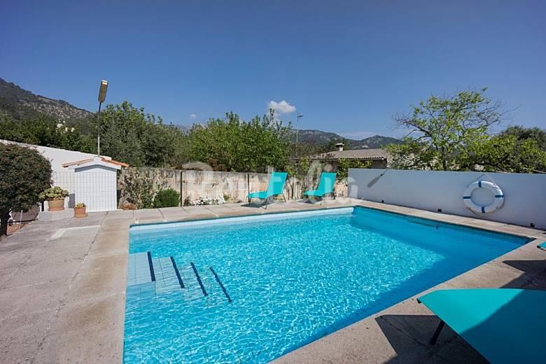 villa en location majorque mancor de la vall majorque serra de tramuntana. Black Bedroom Furniture Sets. Home Design Ideas