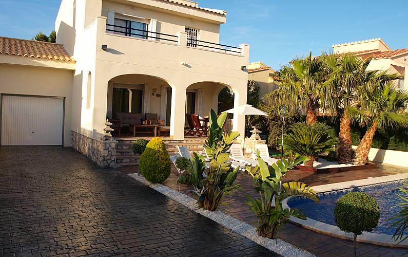 Nice villa with pool and barbecue Tarragona -