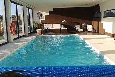 Villa com 2 piscinas, interior aquecida e exterior Porto