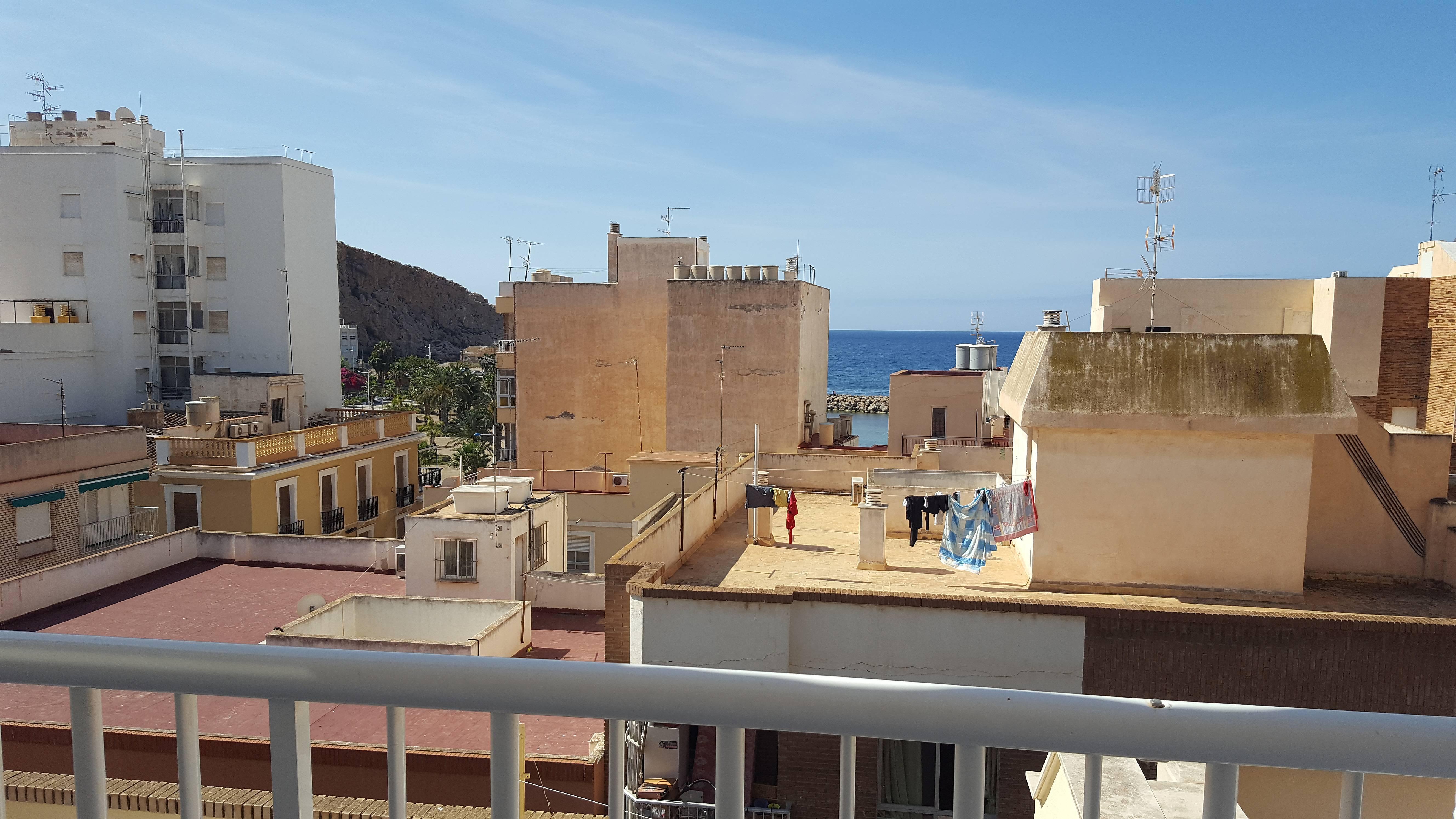 Appartamento per 4 persone a 80 m dalla spiaggia guilas for Cucinare per 80 persone