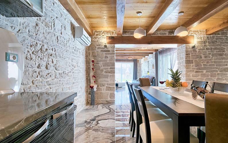 Casa per 8 persone istria stari pazin pisino istria for Piani di casa di campagna francese con veranda