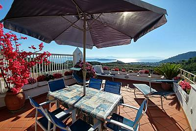 Villa a 3 km de la playa Nápoles