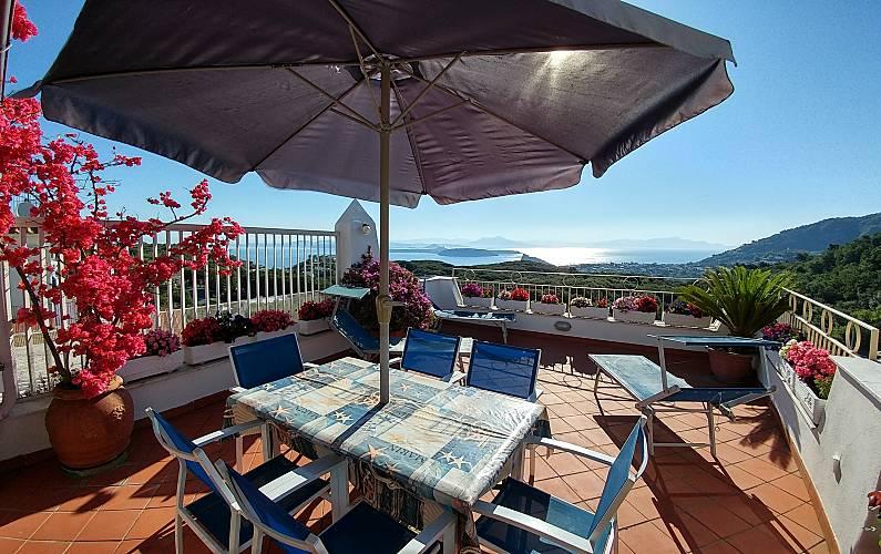 Villa A 3 Km Dalla Spiaggia Ischia Napoli Strada Del