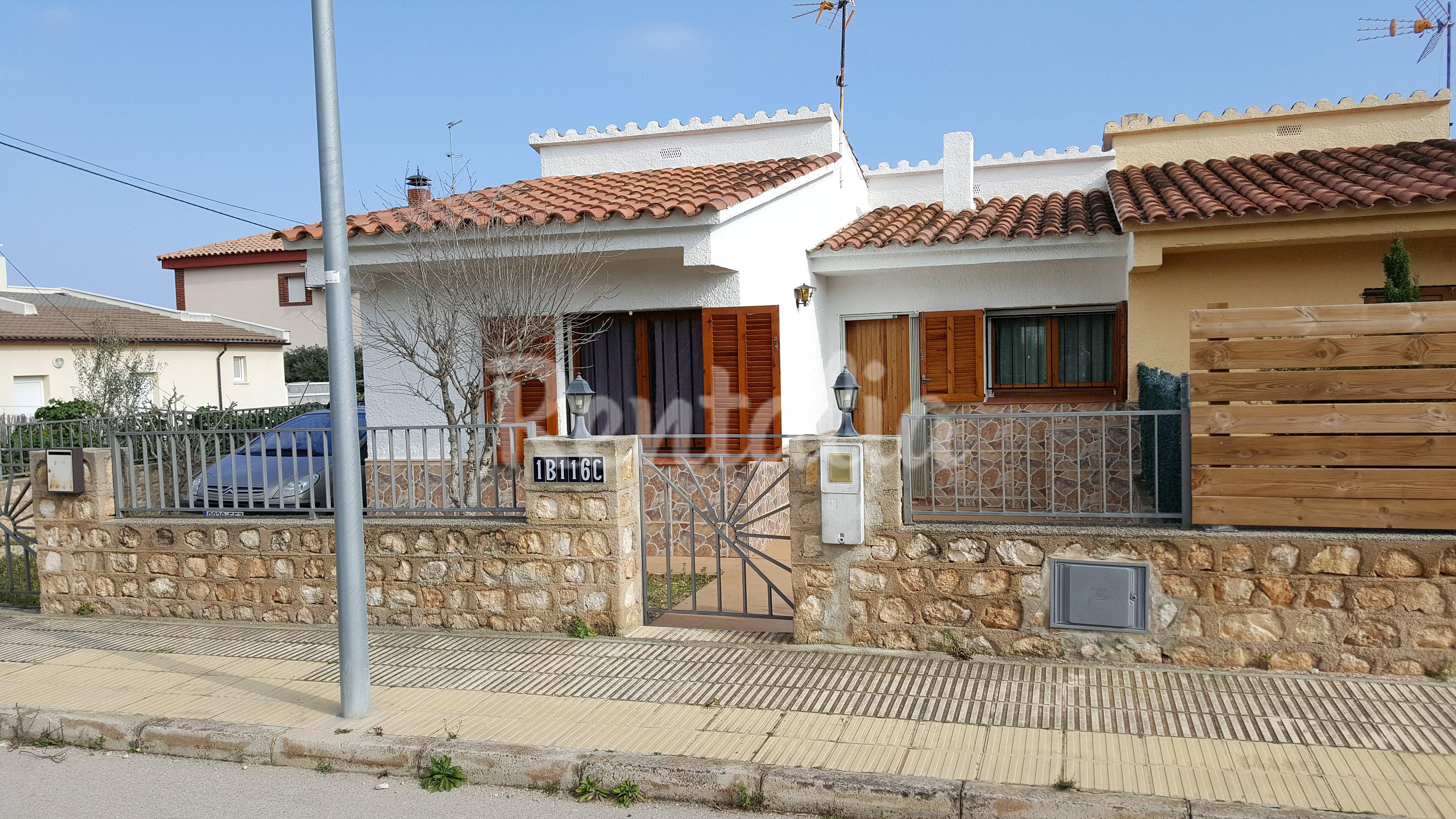 Casa en alquiler a 1000 m de la playa calafat l for Pisos alquiler ametlla de mar
