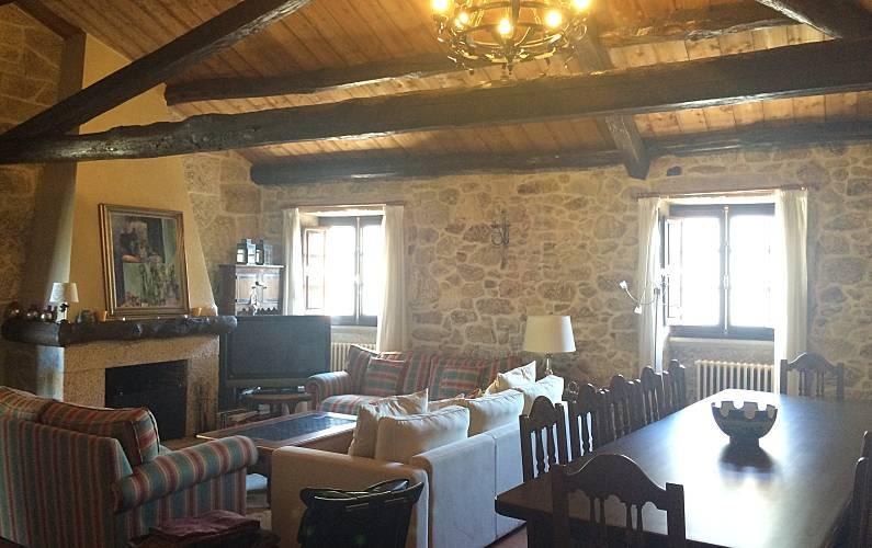 Casa Salón Pontevedra Tomiño Casa en entorno rural - Salón