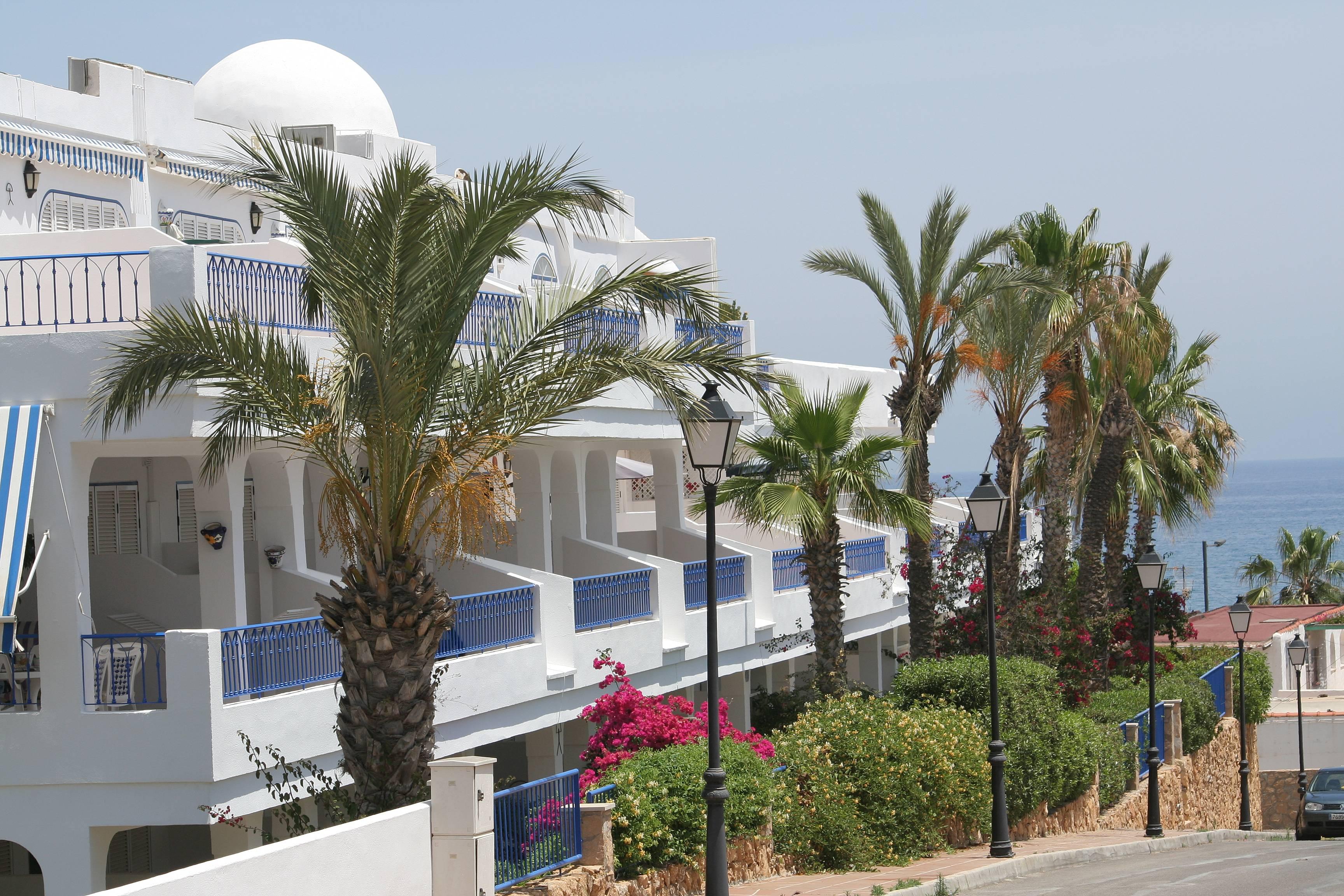 Apartamento de 2 habitaciones a 100 m de la playa for Apartamentos playa mojacar
