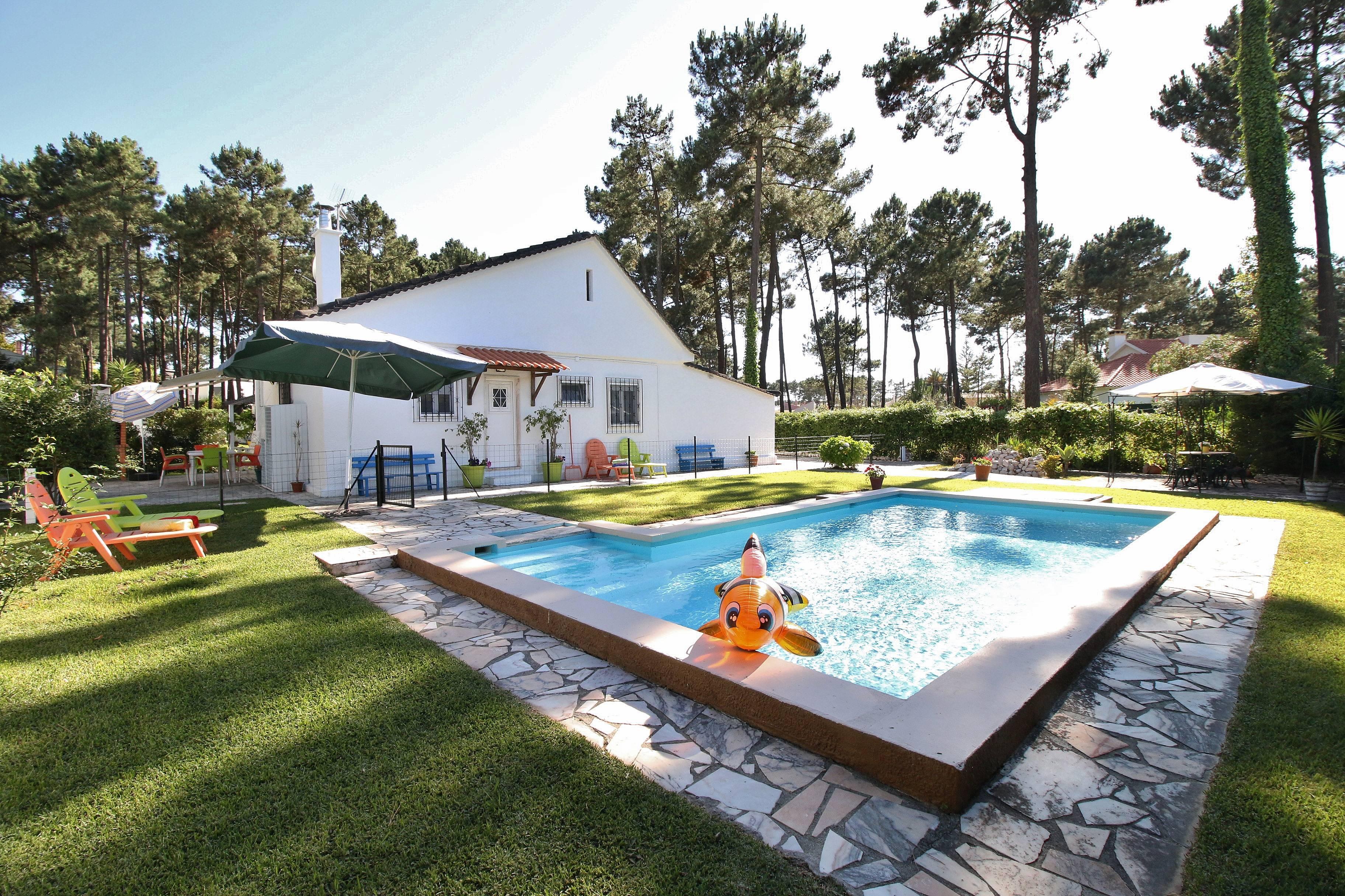Proche de la plage lisbonne 20 km piscine seixal for Piscine lisbonne